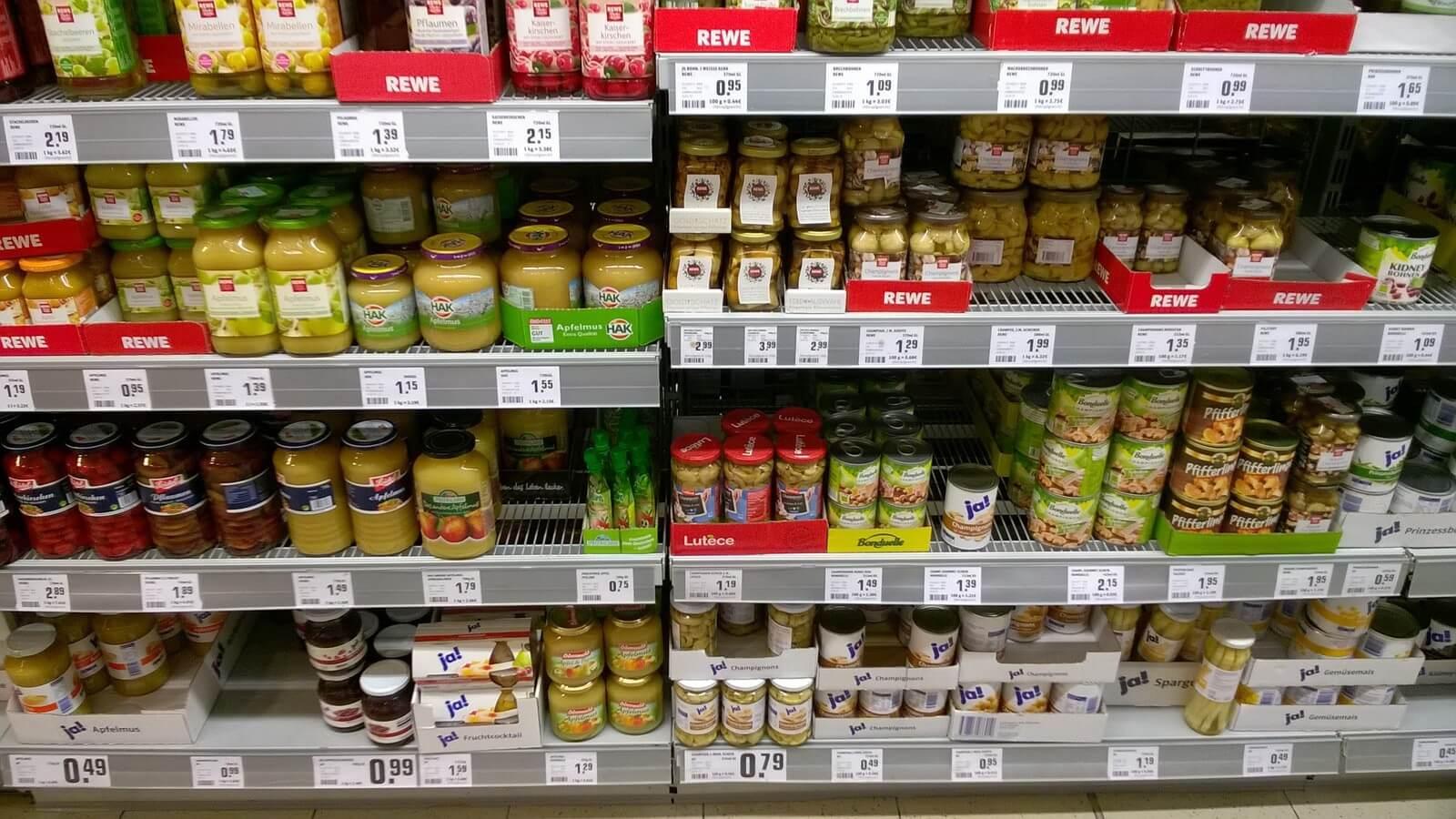 Supermarktregal als Beispiel für Onlineshops